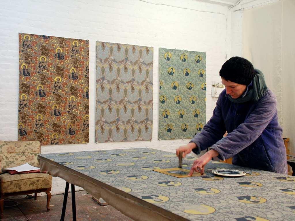 Dana Widawski im Atelier
